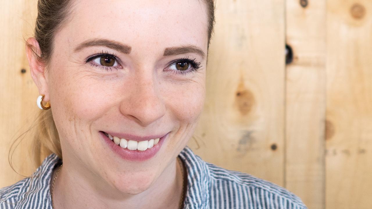Ronja Rostock, Expertin für HR-Governance, Social Media